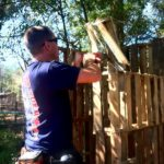 Pallet chicken house (phase 1) – chickadee homestead